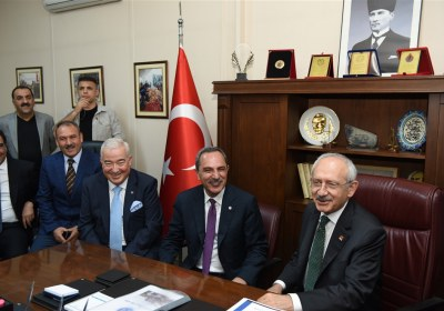 CHP-Lideri-Kemal-Kilicdaroglu-Pazar-Esnafiyla-iftar-yapti (1)