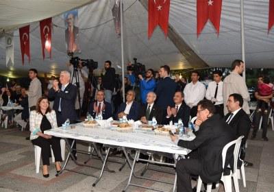 CHP-Lideri-Kemal-Kilicdaroglu-Pazar-Esnafiyla-iftar-yapti (11)