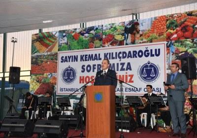 CHP-Lideri-Kemal-Kilicdaroglu-Pazar-Esnafiyla-iftar-yapti (13)