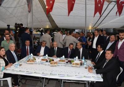 CHP-Lideri-Kemal-Kilicdaroglu-Pazar-Esnafiyla-iftar-yapti (14)