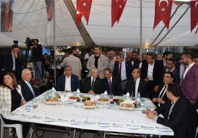 CHP-Lideri-Kemal-Kilicdaroglu-Pazar-Esnafiyla-iftar-yapti (15)