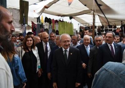 CHP-Lideri-Kemal-Kilicdaroglu-Pazar-Esnafiyla-iftar-yapti (18)