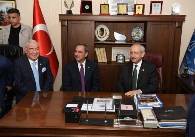 CHP-Lideri-Kemal-Kilicdaroglu-Pazar-Esnafiyla-iftar-yapti (2)