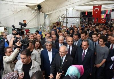 CHP-Lideri-Kemal-Kilicdaroglu-Pazar-Esnafiyla-iftar-yapti (20)