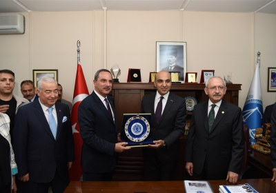 CHP-Lideri-Kemal-Kilicdaroglu-Pazar-Esnafiyla-iftar-yapti (27)