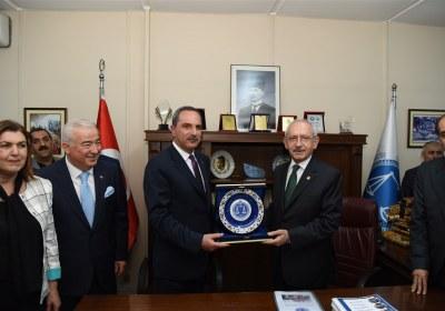 CHP-Lideri-Kemal-Kilicdaroglu-Pazar-Esnafiyla-iftar-yapti (28)