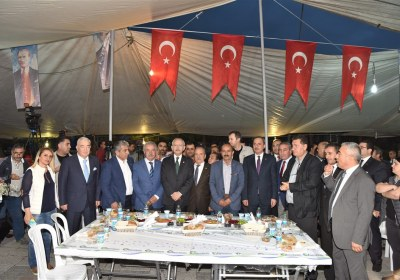 CHP-Lideri-Kemal-Kilicdaroglu-Pazar-Esnafiyla-iftar-yapti (3)
