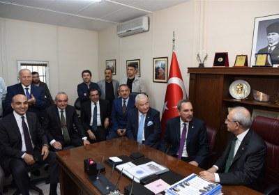 CHP-Lideri-Kemal-Kilicdaroglu-Pazar-Esnafiyla-iftar-yapti (31)