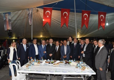 CHP-Lideri-Kemal-Kilicdaroglu-Pazar-Esnafiyla-iftar-yapti (4)