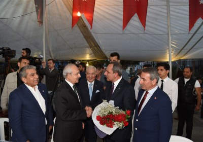 CHP-Lideri-Kemal-Kilicdaroglu-Pazar-Esnafiyla-iftar-yapti (6)